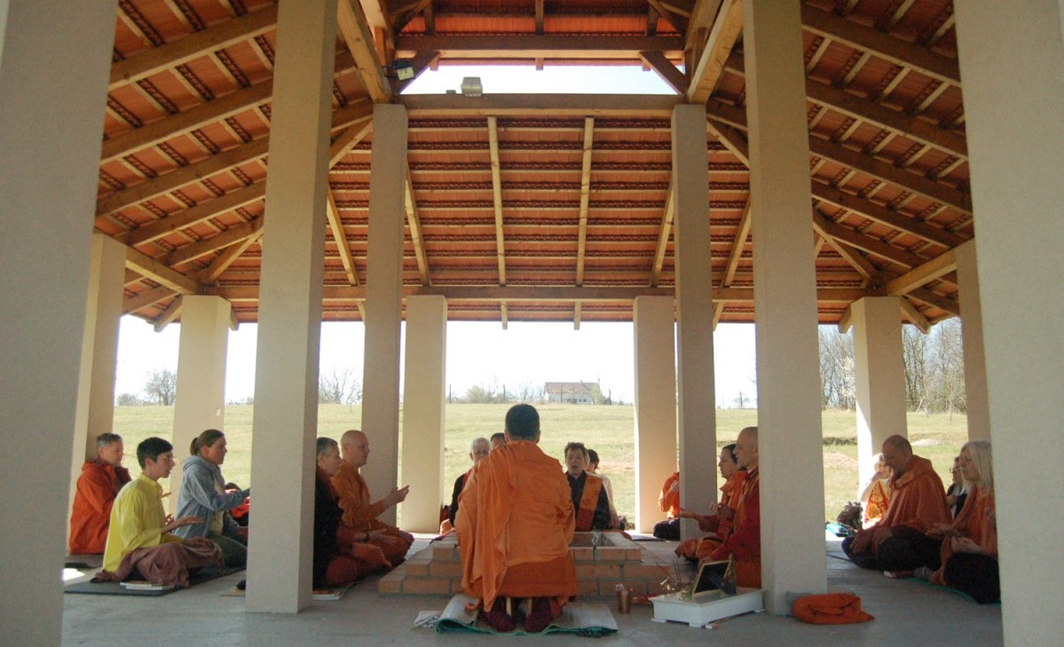 Satyananda Yoga Academy Europe havan meditation ...