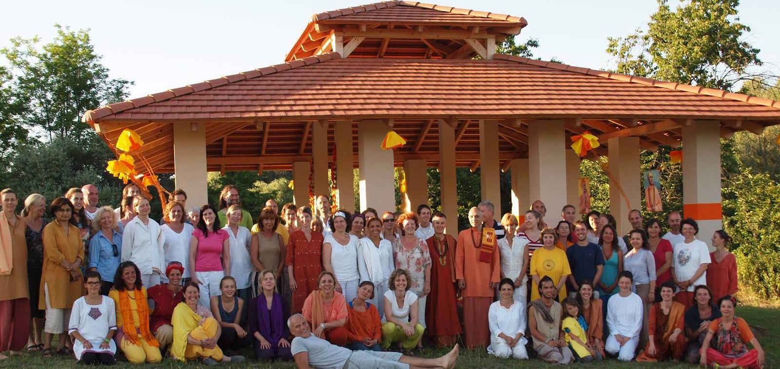 satyananda yoga academy europe
